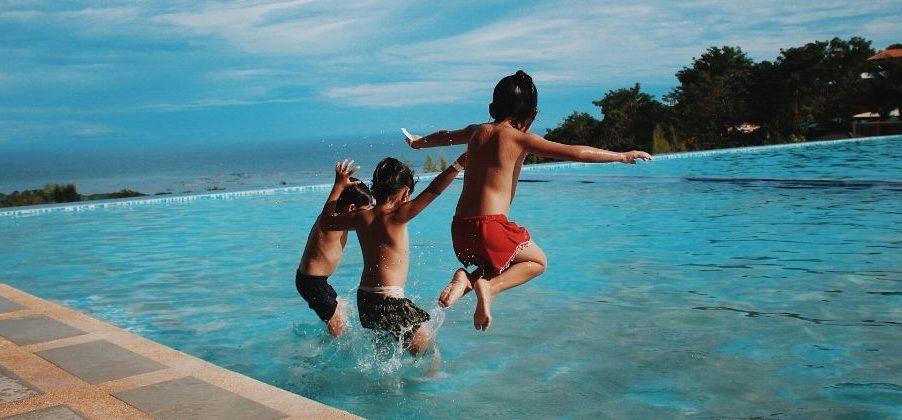 ucenje-anglescine-otroci-bazen